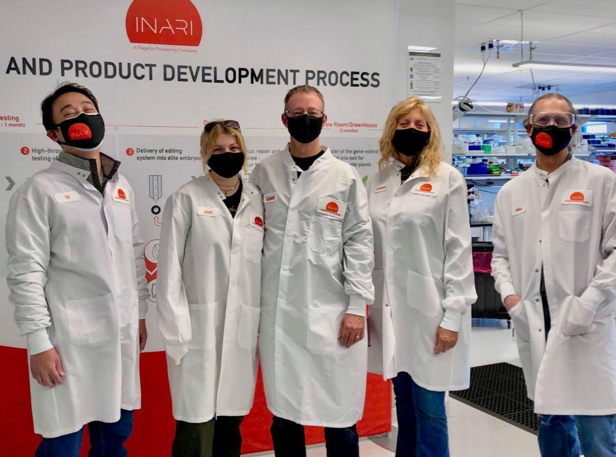 Inari Team in Laboratory